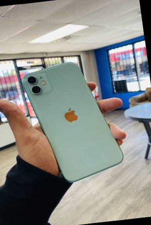 iPhone 11 64gb factory unlocked A SHR for Sale in Dallas, TX