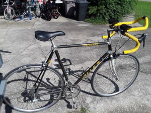 Specialized Allez Epic Carbon Road bike with Shimano 600 components, Campagnolo rims, TT bars, 58cm - $400 FIRM. for Sale in Wesley Chapel, FL