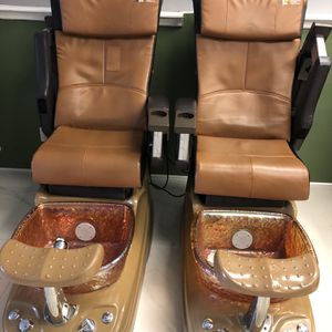 Six Salon Pedicure Chairs for Sale in West Palm Beach, FL
