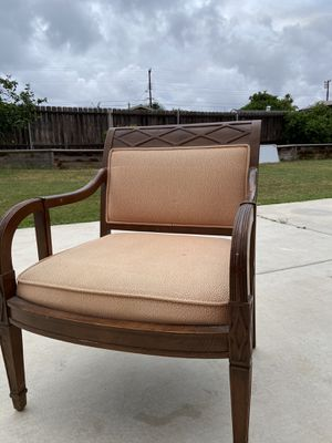 Classic chair (older style) for Sale in Spring Valley, CA