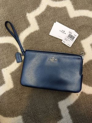 Coach wallet metallic pebble leather for Sale in Amelia Court House, VA