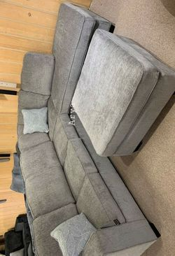 Same Day Delivery in Stock 🔥 New Brand Ashley Spcl Sectional And Ottoman U298 for Sale in Alexandria,  VA