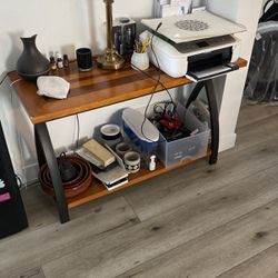 Entry way / Keys Table for Sale in Los Angeles,  CA