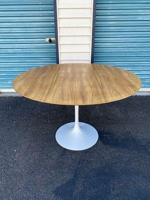 "Knoll Saarinen 47"" Tulip Dining Table w/ Rosewood Top for Sale in Kirkland, WA"