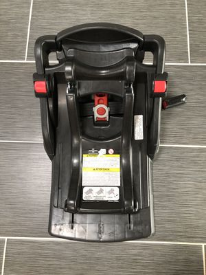 Graco car seat base for Sale in Bellevue, WA