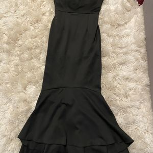 Black Formal Off Shoulder Mermaid Style Dress - Small for Sale in Tampa, FL