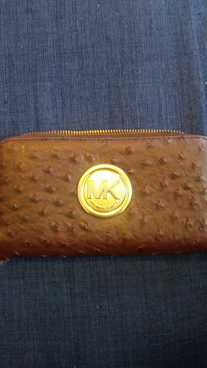 Michael kors wallet for Sale in St. Louis, MO