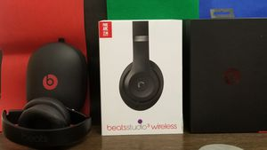 Beats Studio3 Wireless Over-Ear Noise Canceling Headphones for Sale in Chicago, IL