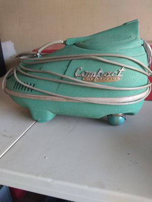 Vintage vacuum for Sale in Fairlawn, OH