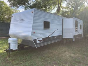 2008 Kingsport Rv Camper 28 Ft. With SuperSlide for Sale in Cherry Hill, NJ
