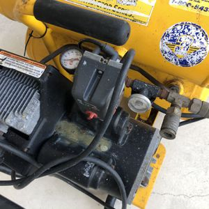 Cambell Hausfield Air Compressor for Sale in Hollywood, FL