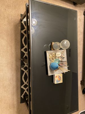 Black Coffee and end table for Sale in Virginia Beach, VA