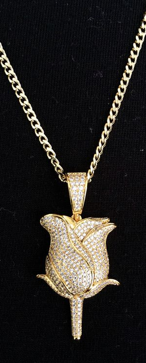 ROSE FULL DIAMONDS CZ 18K GOLD CHAIN MADE IN ITALY for Sale in Miami Beach, FL