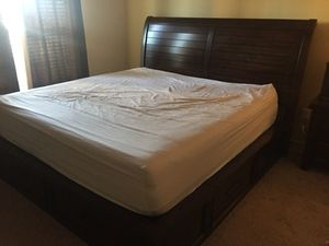 King size bedroom set for Sale in Tewksbury, MA