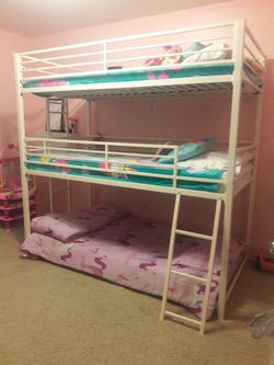Triple Bunk Bed Like New for Sale in Orange,  CA