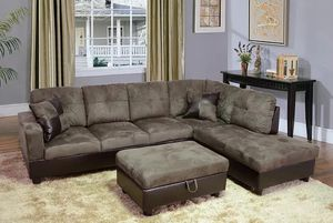 Sectional and ottoman for Sale in Algona, WA