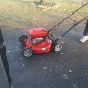 Nice Mower for Sale in Columbus, OH
