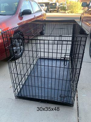 Huge kennel- plastic has some cracks for Sale in Glendale, AZ