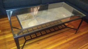 Coffee table for Sale in Woonsocket, RI