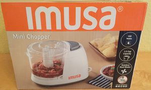 MINI FOOD CHOPPER MINI CHOPPER BRAND NEW IN BOX IMUSA BRAND 1.5 CUP FOR VEGETABLES, NUTS, FRUITS ETC for Sale in Orlando, FL