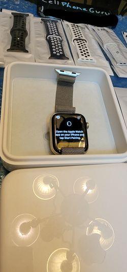 Apple milanese series 5 44mm Cellular LTE unlocked + GPS Bluetooth for Sale in Phoenix,  AZ