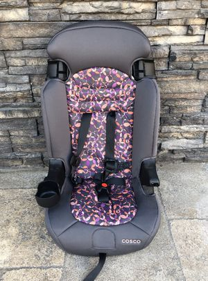 PRACTICALLY NEW 2 in 1 CAR SEAT for Sale in Colton, CA