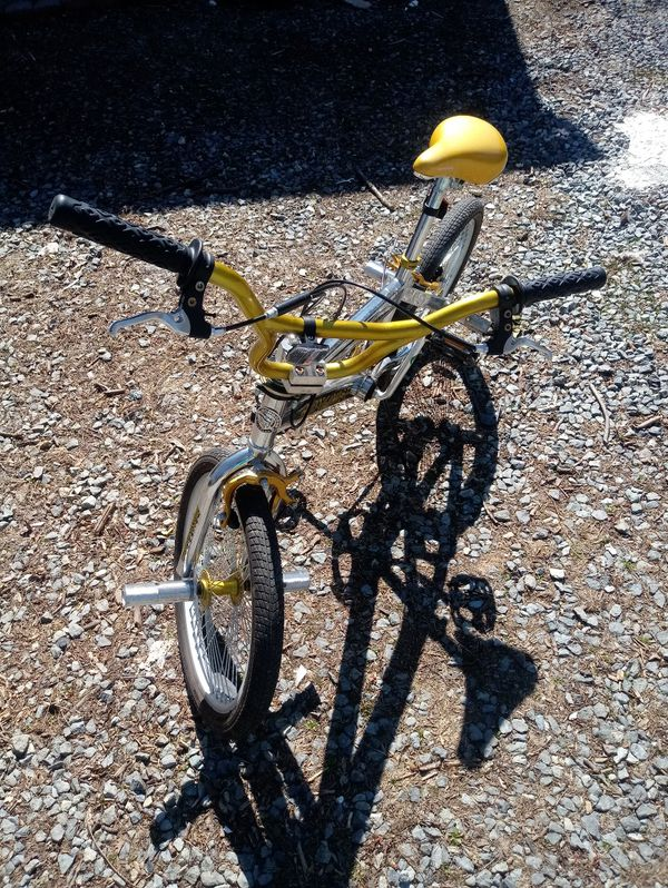 Mongoose EL Ray BMX Bike (Chrome/Gold)