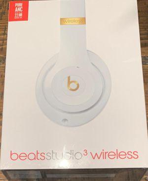 Beats Studio3 wireless Noise Canceling over-ear headphones - White for Sale in Miami, FL