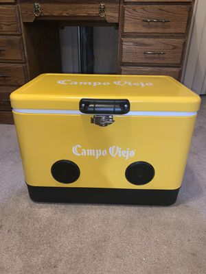 Campo Viejo 54 Qt Cooler with Bluetooth Speaker for Sale in Mesa, AZ