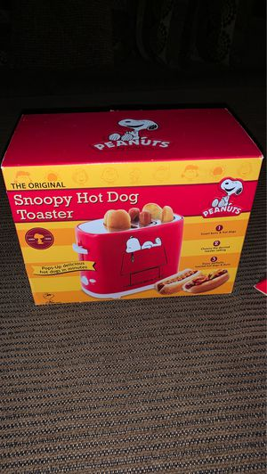 NIB: Peanuts Collection: Snoopy Hot dog toaster for Sale in Chippewa Falls, WI