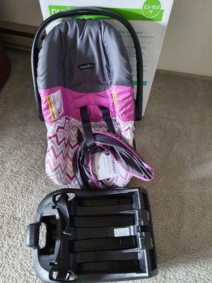 Evenflo baby car seat for Sale in Federal Way, WA