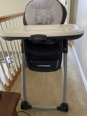 Graco high chair for Sale in Hummelstown, PA