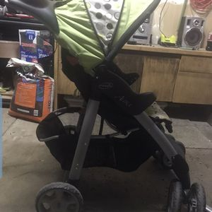 EvenFlo jogger stroller for Sale in Aurora, CO