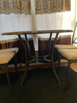 Round Kitchen table set for Sale in Sully Station, VA