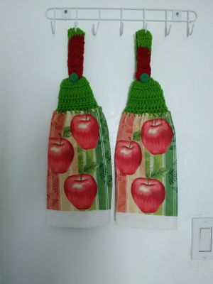 Set towels for kitchen for Sale in Perris, CA