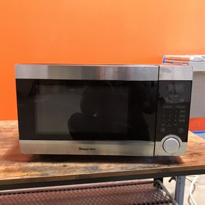 Magic Chef Microwave for Sale in Fairfax, VA