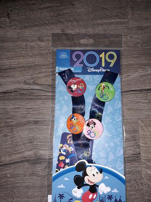 BRAND NEW! DISNEY PARKS TRADING PINS STARTED SET!! **4 PINS + LANYARD** for Sale in Baldwin Park, CA