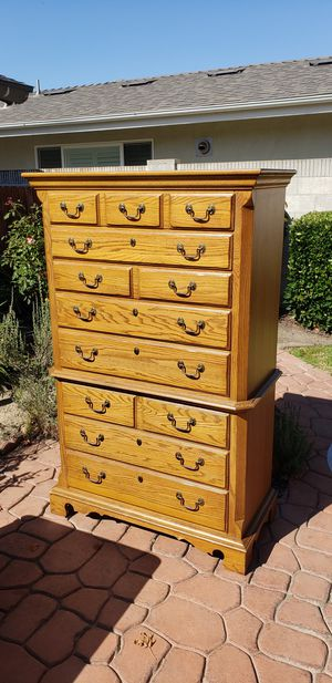 Thomasville Oak Dresser in excellent condition for Sale in San Clemente, CA