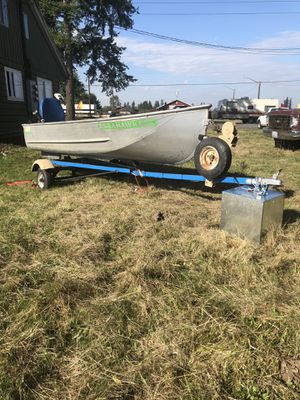 Nice 12ft aluminum fishing boat and trailer for Sale in Enumclaw, WA