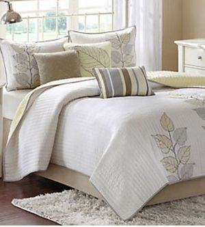 Madison Park Caelie 6-Piece Coverlet Set full/queen for Sale in South Gate, CA