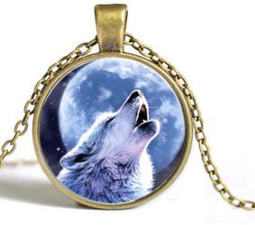 New Photo Glass Dome Wolf Gold Chain Pendant Necklace $10 for Sale in Pensacola,  FL