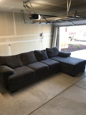 Grey sectional couch for Sale in Selma, CA
