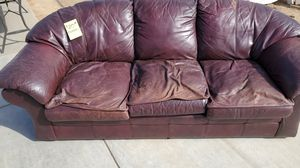 Couches leather FREE for Sale in Reedley, CA