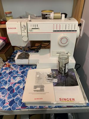 Singer sewing machine with desk for Sale in Sandy, UT