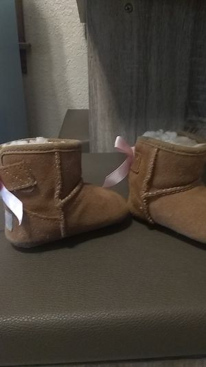Baby Girl ugh boots for Sale in Oklahoma City, OK