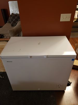 Hisense chest freezer 7 cu ft for Sale in Beacon, IA