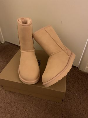100% Authentic Brand New in Box UGG Classic Short Boots / Women size 7 / Color: Amber for Sale in Walnut Creek, CA