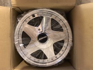 Set of 4 Chrome Rims (size: 15x7) - NEW for Sale in Fresno, CA