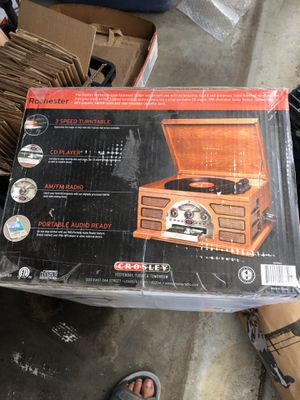 Old time radio/phono stereo system for Sale in Clovis, CA