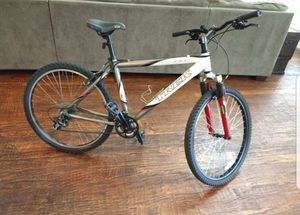 Trek alpha 4300 mountain bike .. unisex 18 inch frame .... great condition for Sale in Plano, TX